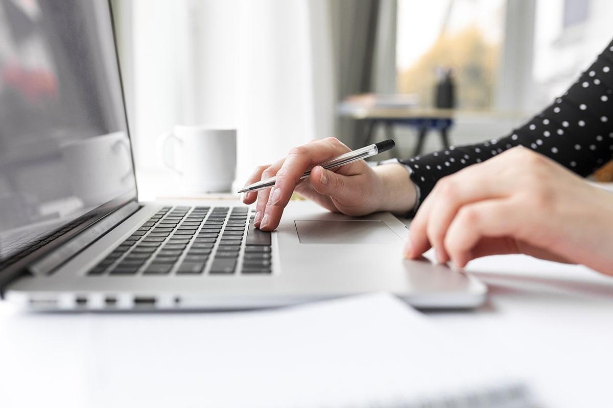 Blogue - Adjointe administrative virtuelle c'est quoi cette bete la - Admin comme Sabine
