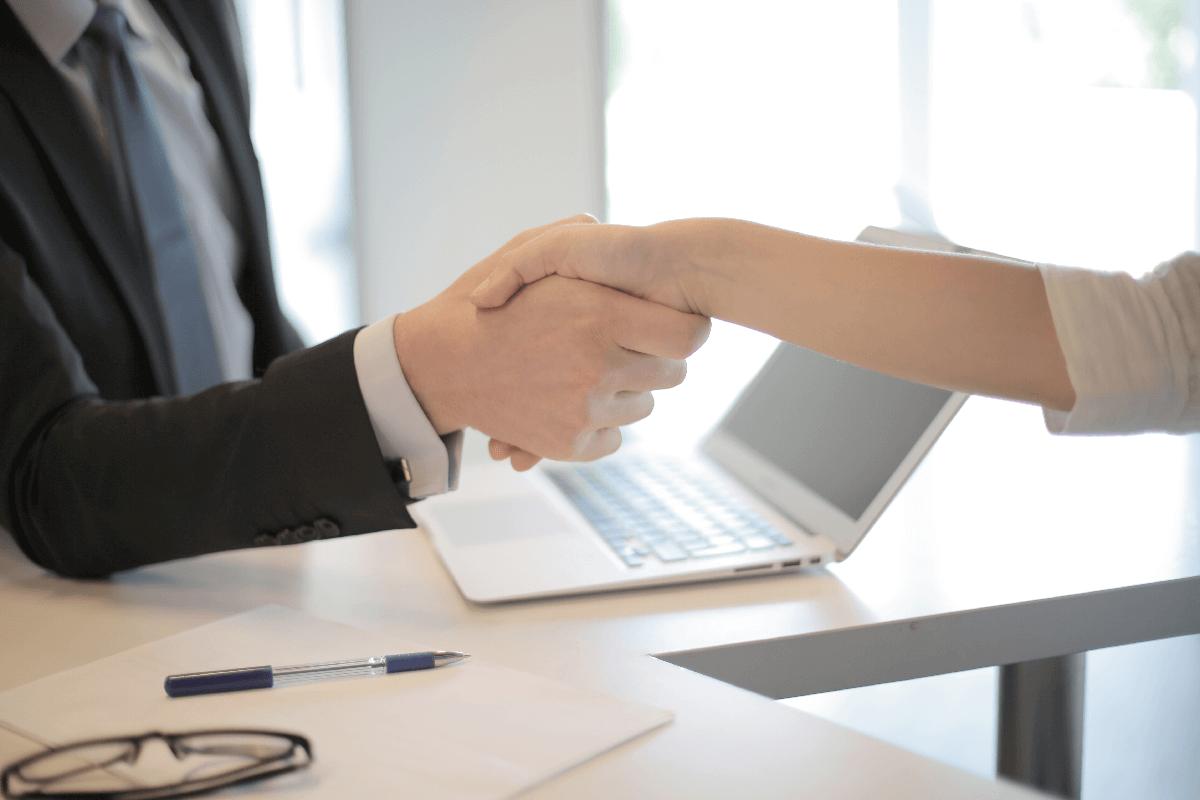 Quels sont les ingrédients clé d'une bonne relation avec votre adjointe virtuelle? Blogue